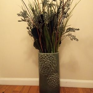 Dry flowers, with a vase. 3 feet tall, like new